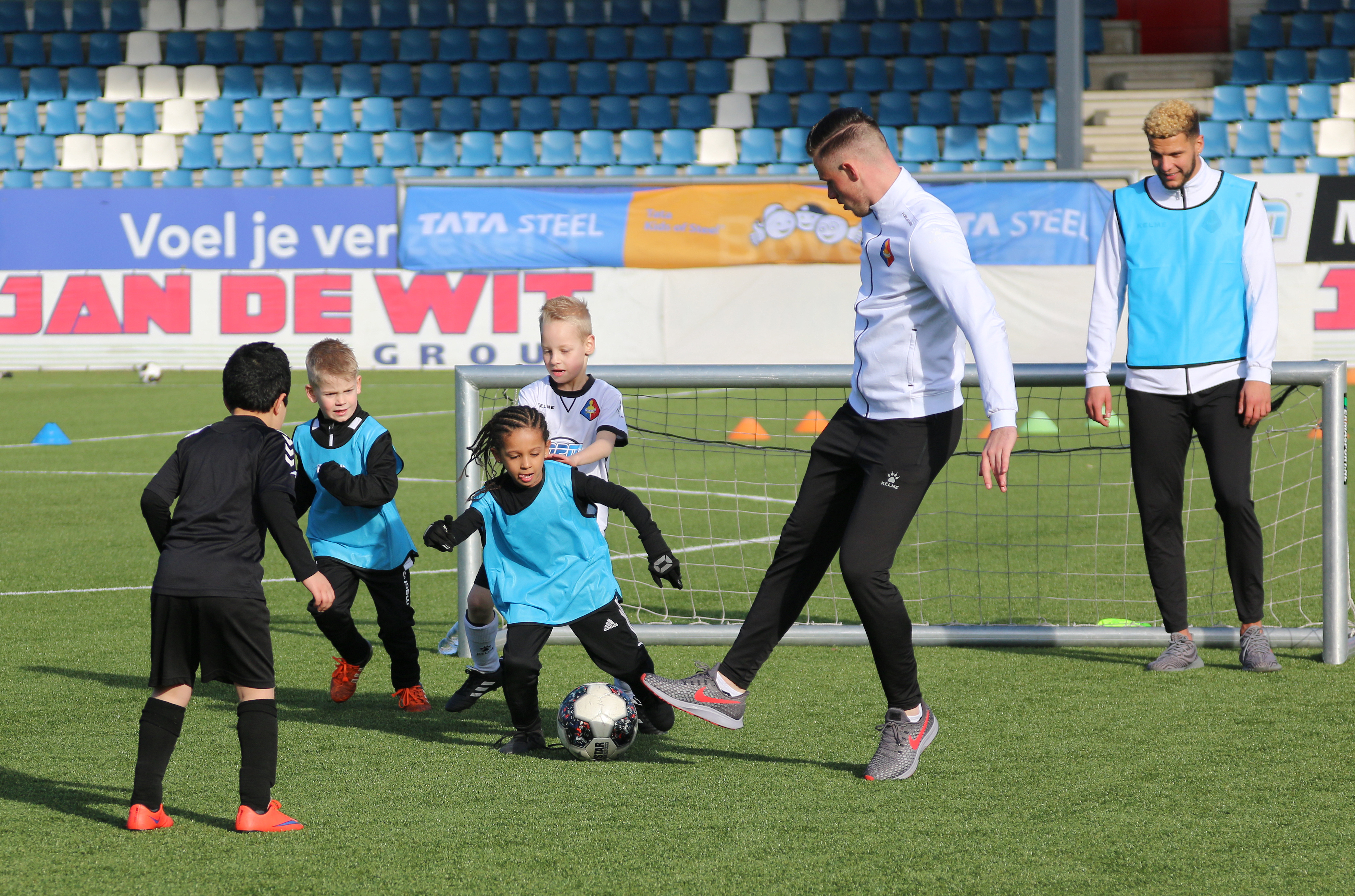 Telstar football practice with kids